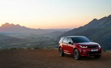 2020 Land Rover Discovery Sport Front Three-Quarter Wallpaper 450x275 (23)