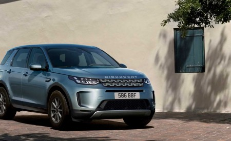 2020 Land Rover Discovery Sport Front Three-Quarter Wallpapers 450x275 (42)