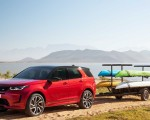 2020 Land Rover Discovery Sport Front Three-Quarter Wallpaper 150x120 (25)