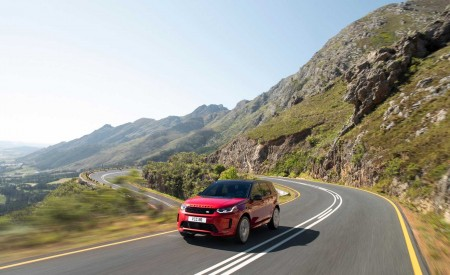 2020 Land Rover Discovery Sport Front Three-Quarter Wallpaper 450x275 (6)