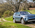 2020 Land Rover Discovery Sport Front Three-Quarter Wallpaper 150x120 (33)