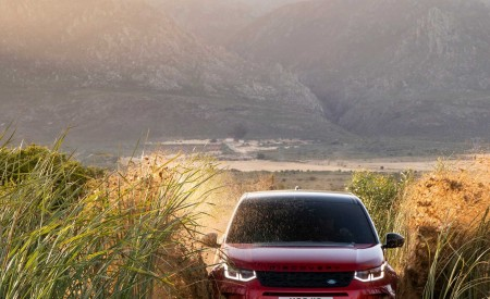 2020 Land Rover Discovery Sport Front Wallpaper 450x275 (29)