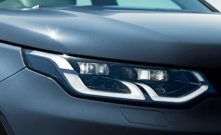 2020 Land Rover Discovery Sport Headlight Wallpapers 450x275 (47)