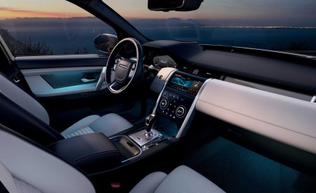 2020 Land Rover Discovery Sport Interior Wallpaper 450x275 (73)