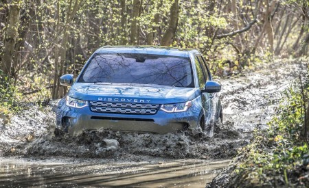 2020 Land Rover Discovery Sport Off-Road Wallpaper 450x275 (35)