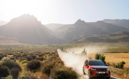 2020 Land Rover Discovery Sport Off-Road Wallpaper 450x275 (15)