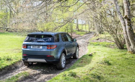 2020 Land Rover Discovery Sport Off-Road Wallpapers 450x275 (36)
