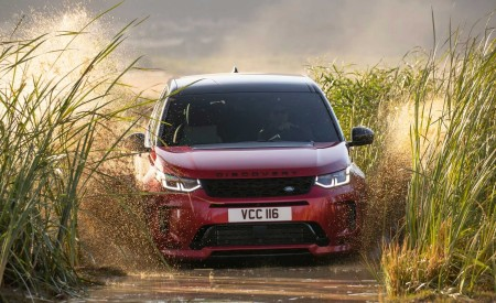 2020 Land Rover Discovery Sport Off-Road Wallpaper 450x275 (16)