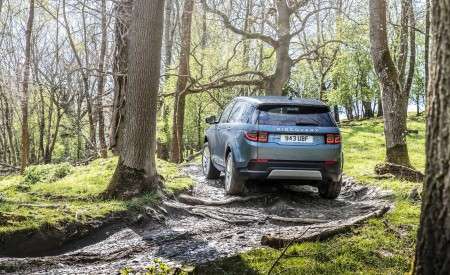 2020 Land Rover Discovery Sport Off-Road Wallpapers 450x275 (40)