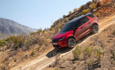 2020 Land Rover Discovery Sport Off-Road Wallpaper 450x275 (19)