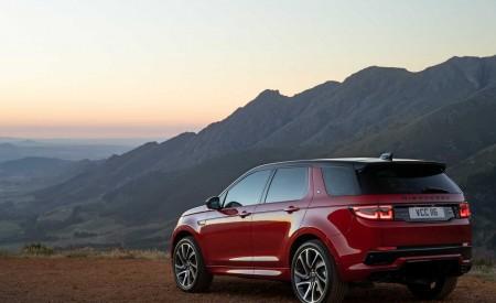 2020 Land Rover Discovery Sport Rear Three-Quarter Wallpaper 450x275 (30)