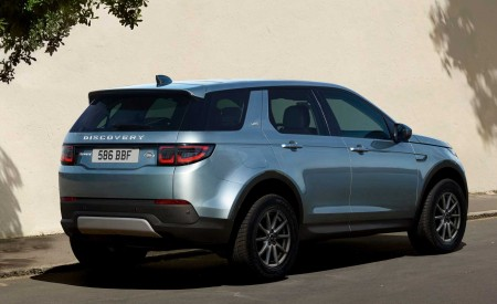 2020 Land Rover Discovery Sport Rear Three-Quarter Wallpapers 450x275 (44)