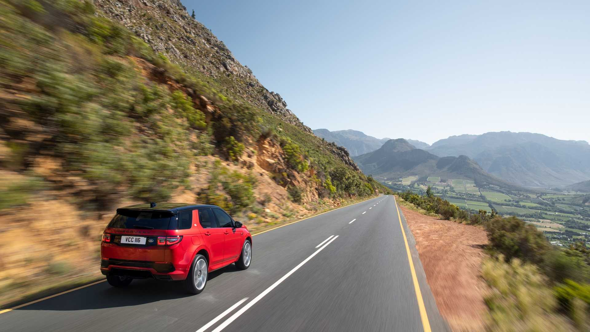 2020 Land Rover Discovery Sport Rear Three-Quarter Wallpaper (9)