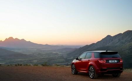 2020 Land Rover Discovery Sport Rear Three-Quarter Wallpaper 450x275 (31)