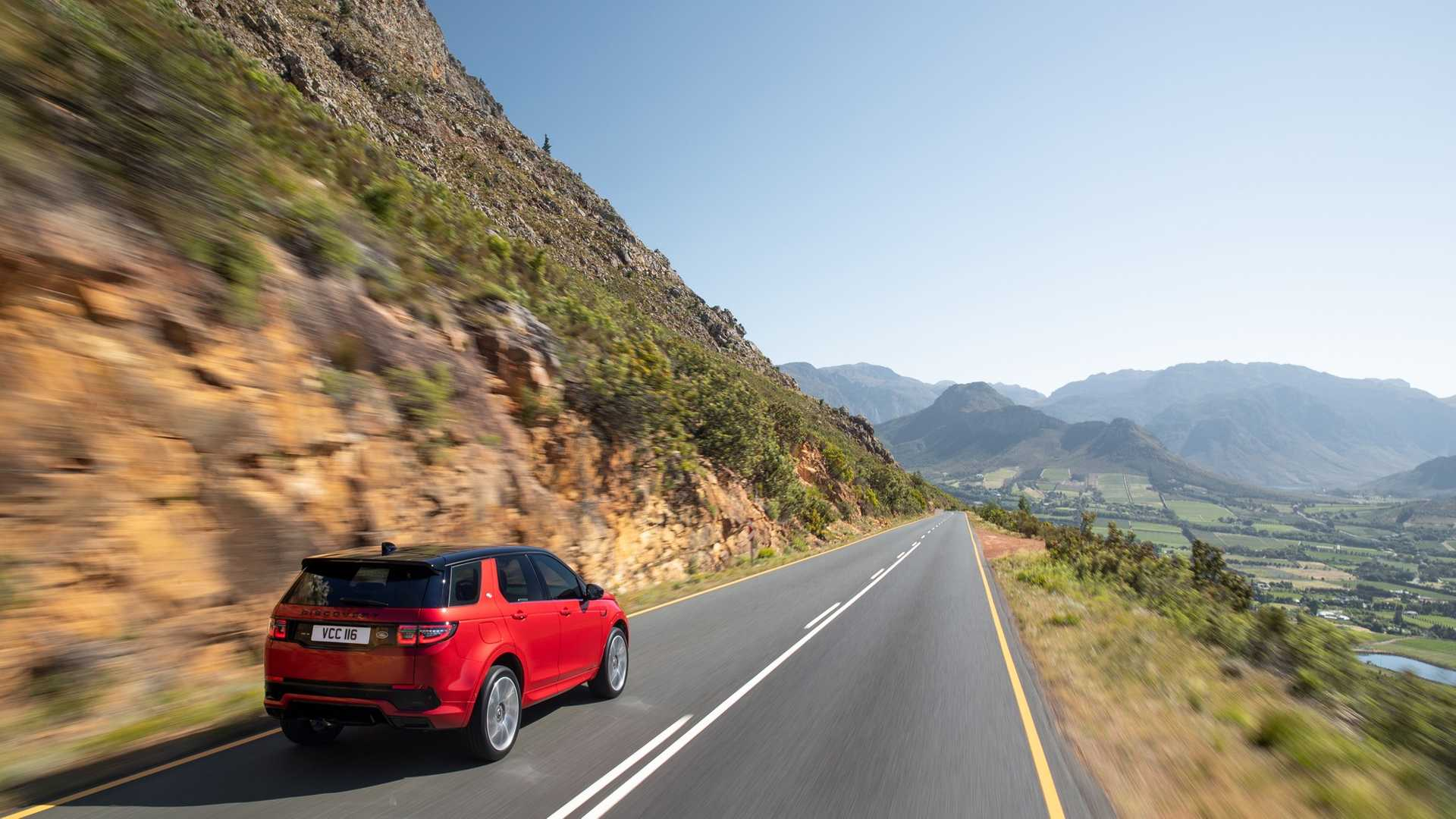2020 Land Rover Discovery Sport Rear Three-Quarter Wallpaper (10)