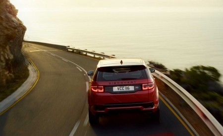 2020 Land Rover Discovery Sport Rear Wallpaper 450x275 (13)