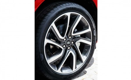2020 Land Rover Discovery Sport Wheel Wallpaper 450x275 (59)