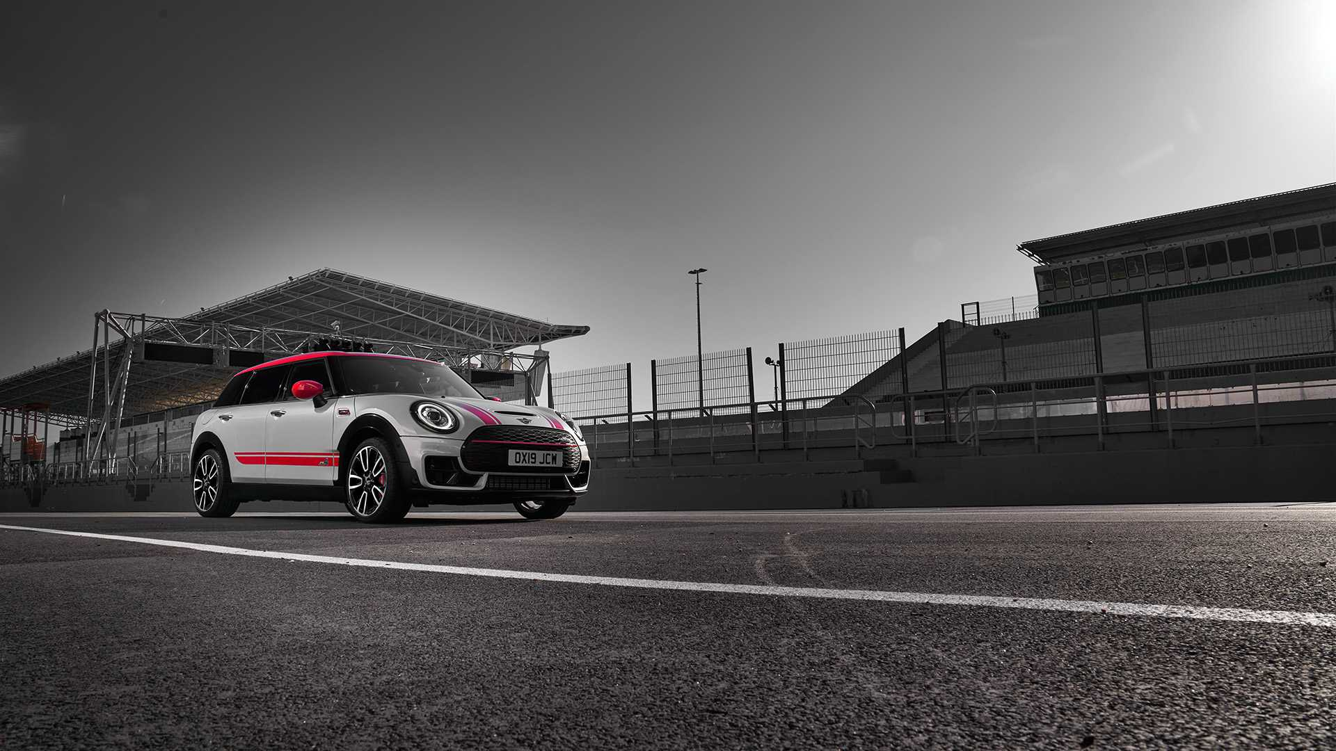 2020 MINI Clubman John Cooper Works Front Three-Quarter Wallpapers (13)