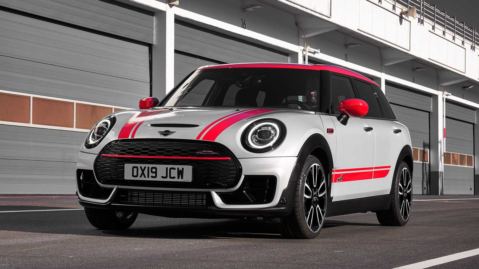 2020 MINI Clubman John Cooper Works Front Three-Quarter Wallpapers (5)