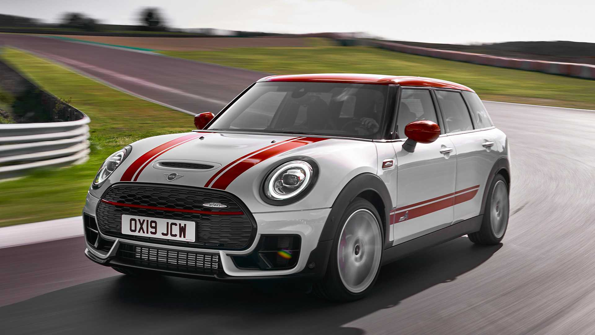 2020 MINI Clubman John Cooper Works Front Three-Quarter Wallpapers (2)