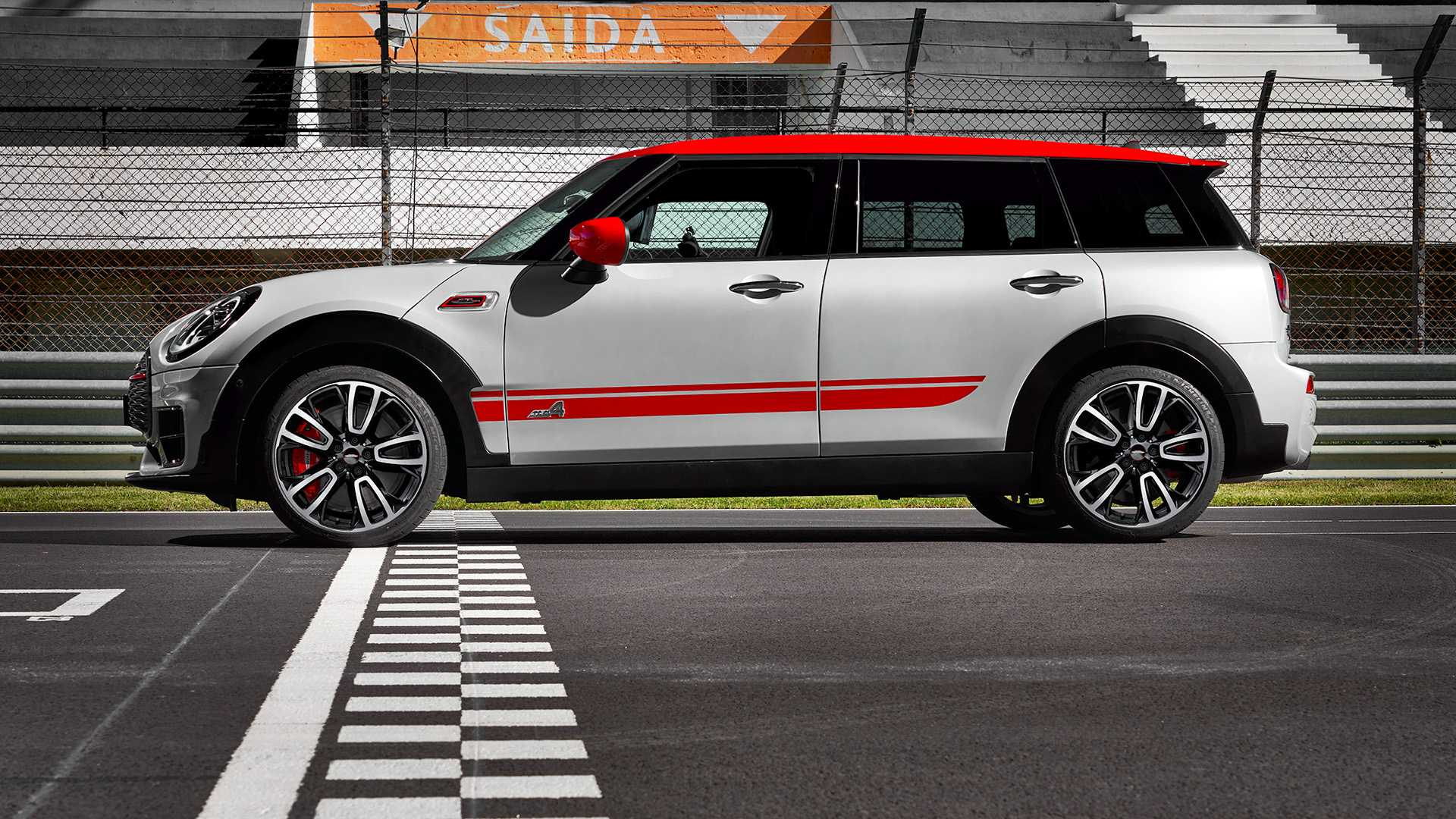 2020 MINI Clubman John Cooper Works Side Wallpapers #11 of 47