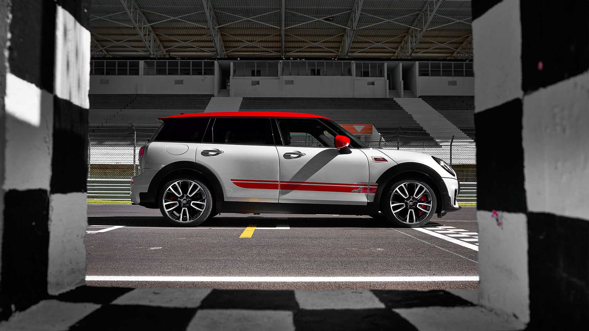 2020 MINI Clubman John Cooper Works Side Wallpapers (12)
