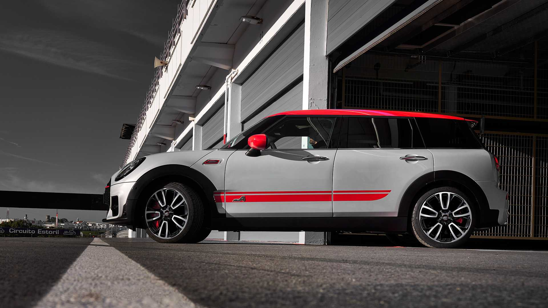 2020 MINI Clubman John Cooper Works Side Wallpapers (4)