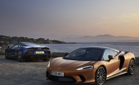 2020 McLaren GT (Color: Burnished Copper) Front Three-Quarter Wallpapers 450x275 (46)