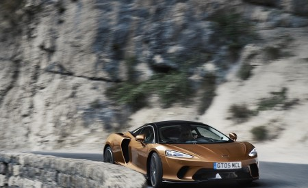 2020 McLaren GT (Color: Burnished Copper) Front Three-Quarter Wallpapers 450x275 (39)