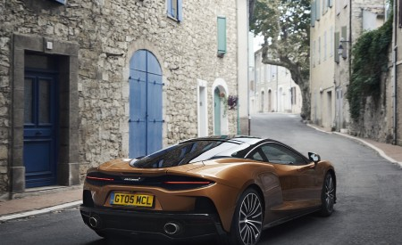 2020 McLaren GT (Color: Burnished Copper) Rear Three-Quarter Wallpapers 450x275 (49)