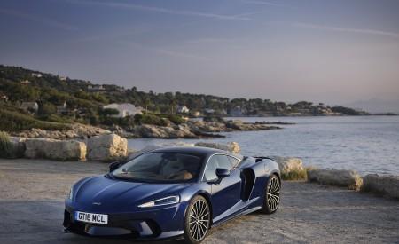 2020 McLaren GT (Color: Namaka Blue) Front Three-Quarter Wallpapers 450x275 (14)