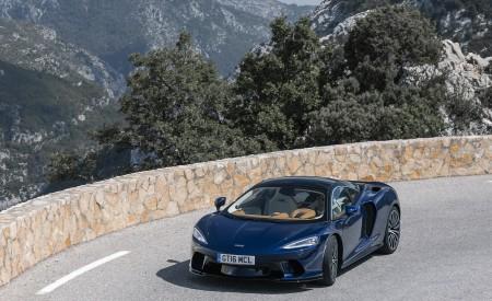 2020 McLaren GT (Color: Namaka Blue) Front Three-Quarter Wallpapers 450x275 (11)