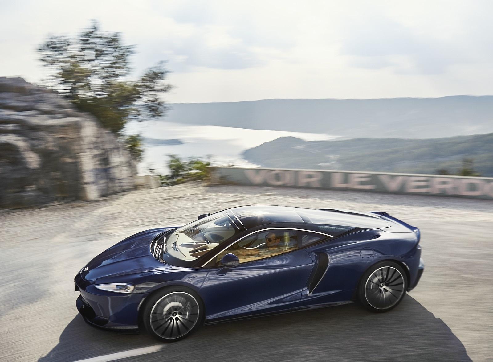 2020 McLaren GT (Color: Namaka Blue) Side Wallpapers (1)
