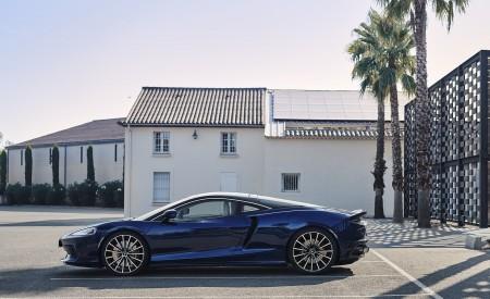 2020 McLaren GT (Color: Namaka Blue) Side Wallpapers 450x275 (21)