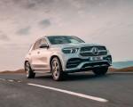 2020 Mercedes-Benz GLE 300d (UK-Spec) Front Three-Quarter Wallpapers 150x120 (2)