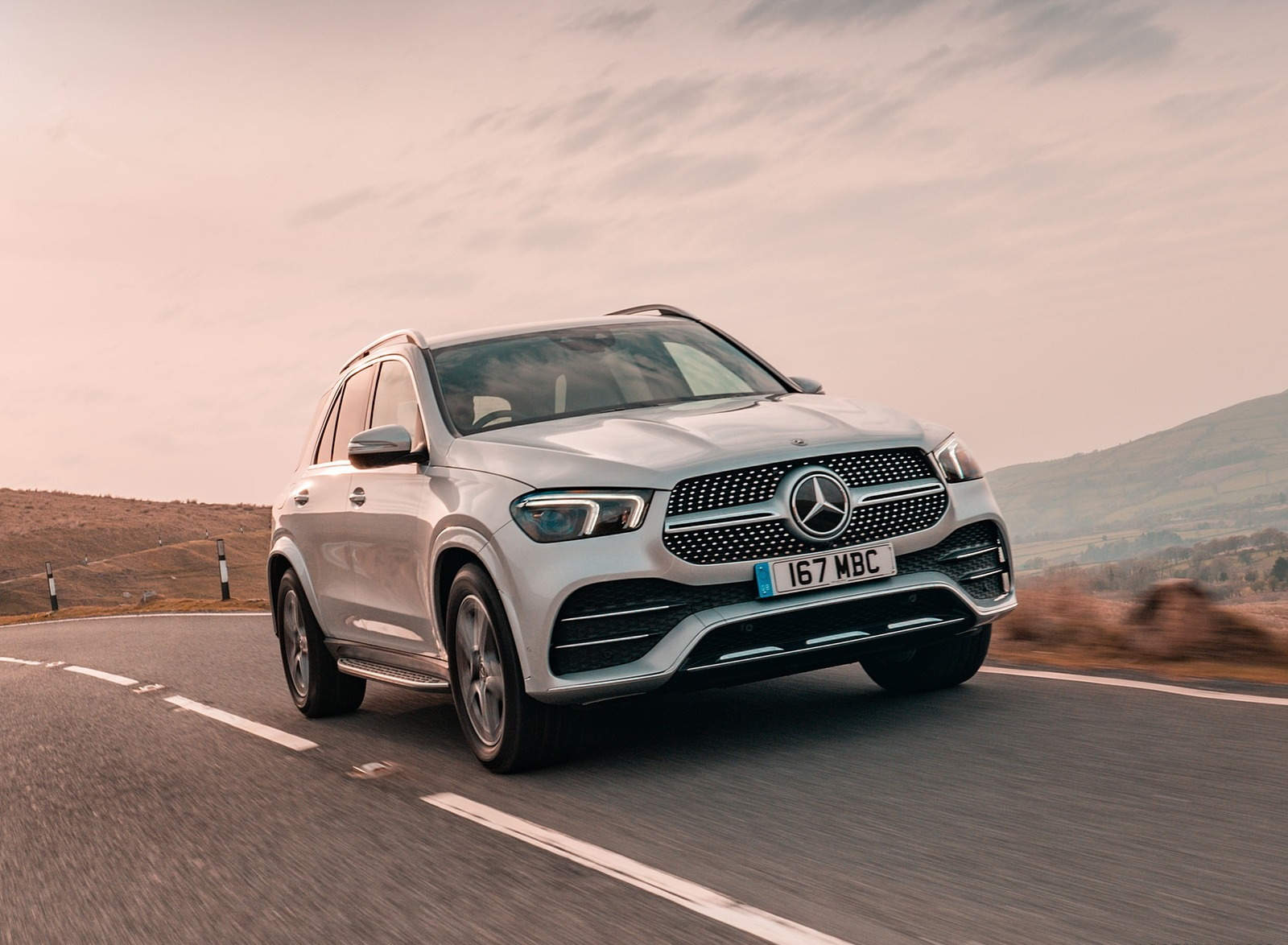 2020 Mercedes-Benz GLE 300d (UK-Spec) Front Three-Quarter Wallpapers (3)