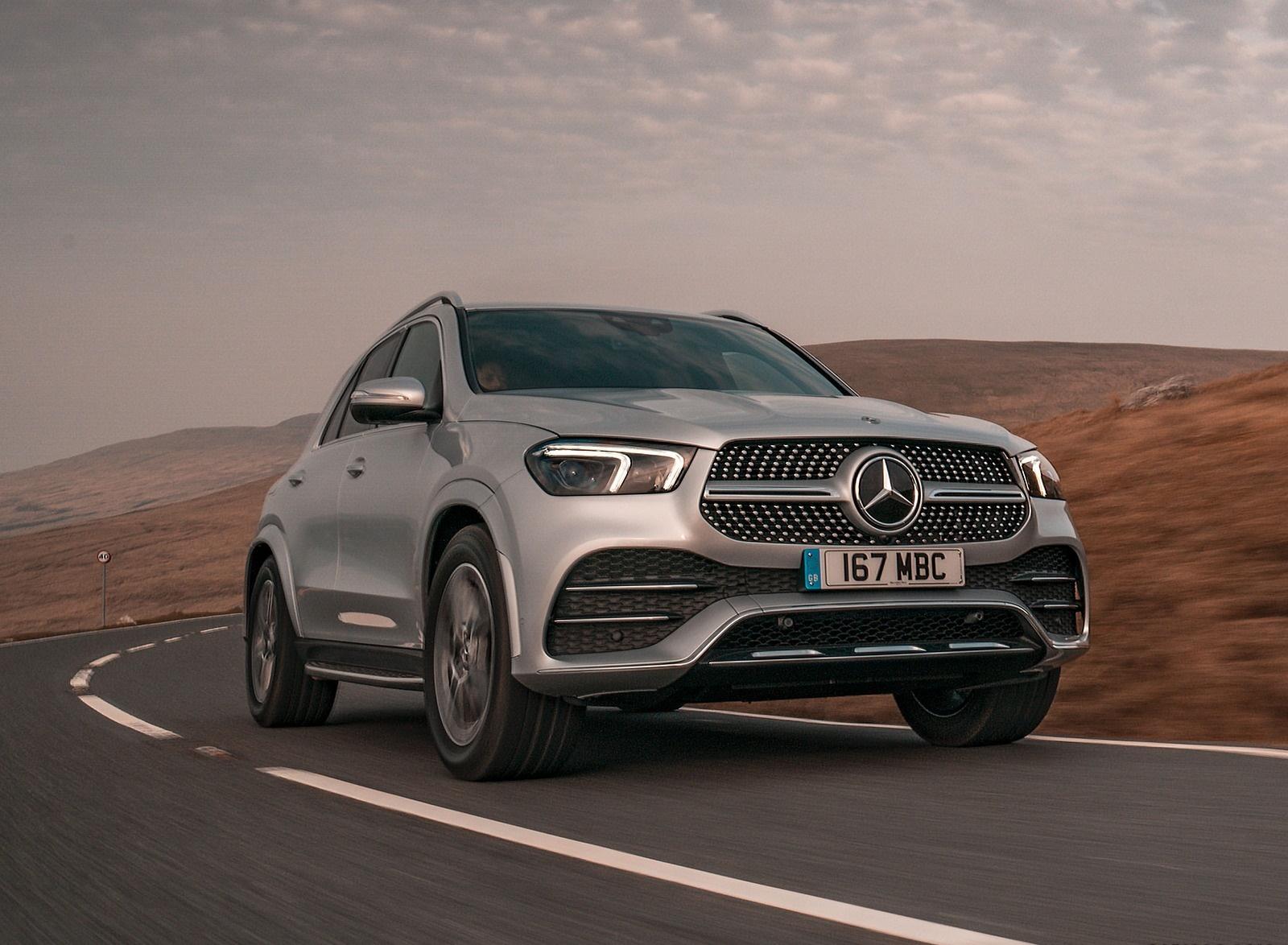 2020 Mercedes-Benz GLE 300d (UK-Spec) Front Three-Quarter Wallpapers (5)