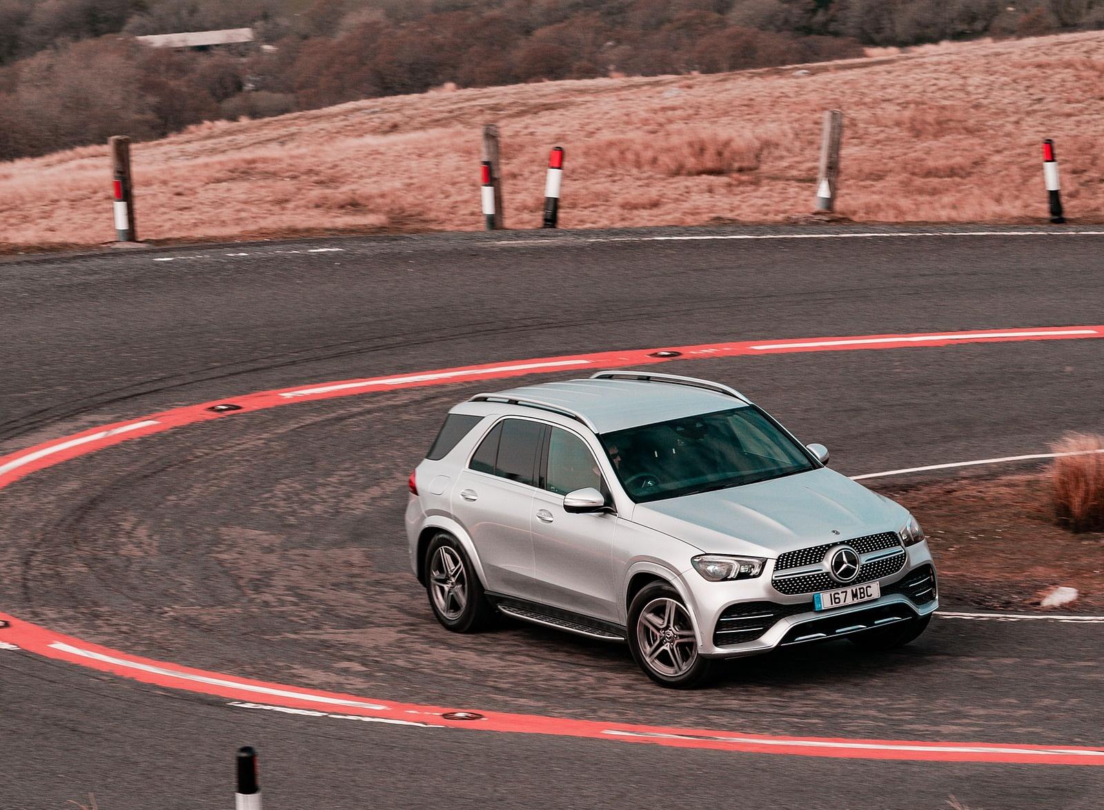 2020 Mercedes-Benz GLE 300d (UK-Spec) Front Three-Quarter Wallpapers (14)