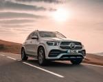 2020 Mercedes-Benz GLE 300d (UK-Spec) Front Three-Quarter Wallpapers 150x120 (6)