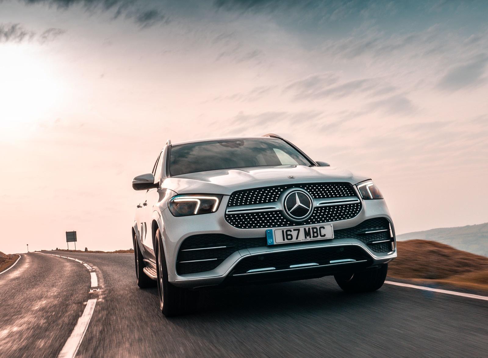2020 Mercedes-Benz GLE 300d (UK-Spec) Front Wallpapers (1)