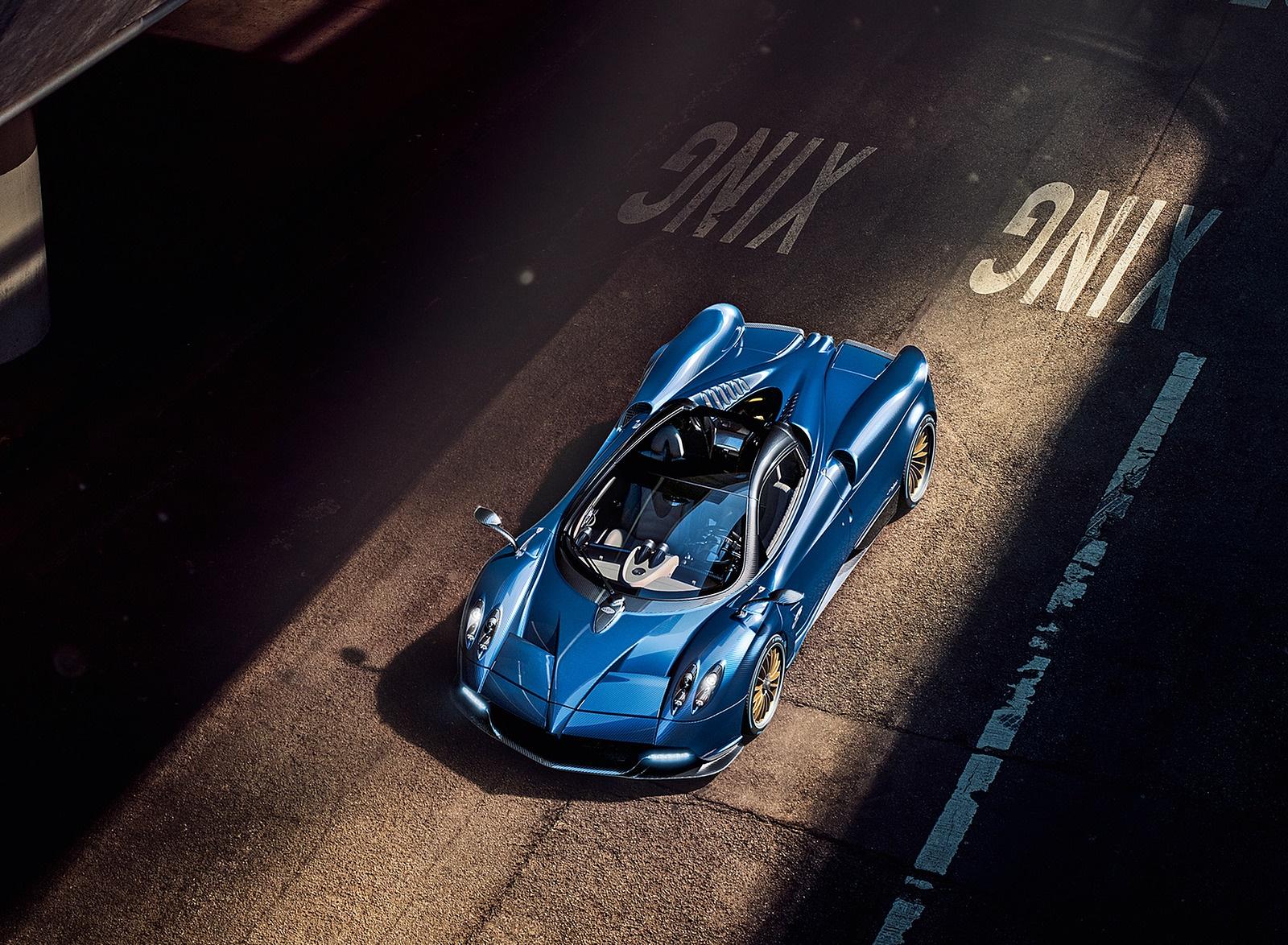 2018 Pagani Huayra Roadster Top Wallpapers (3)
