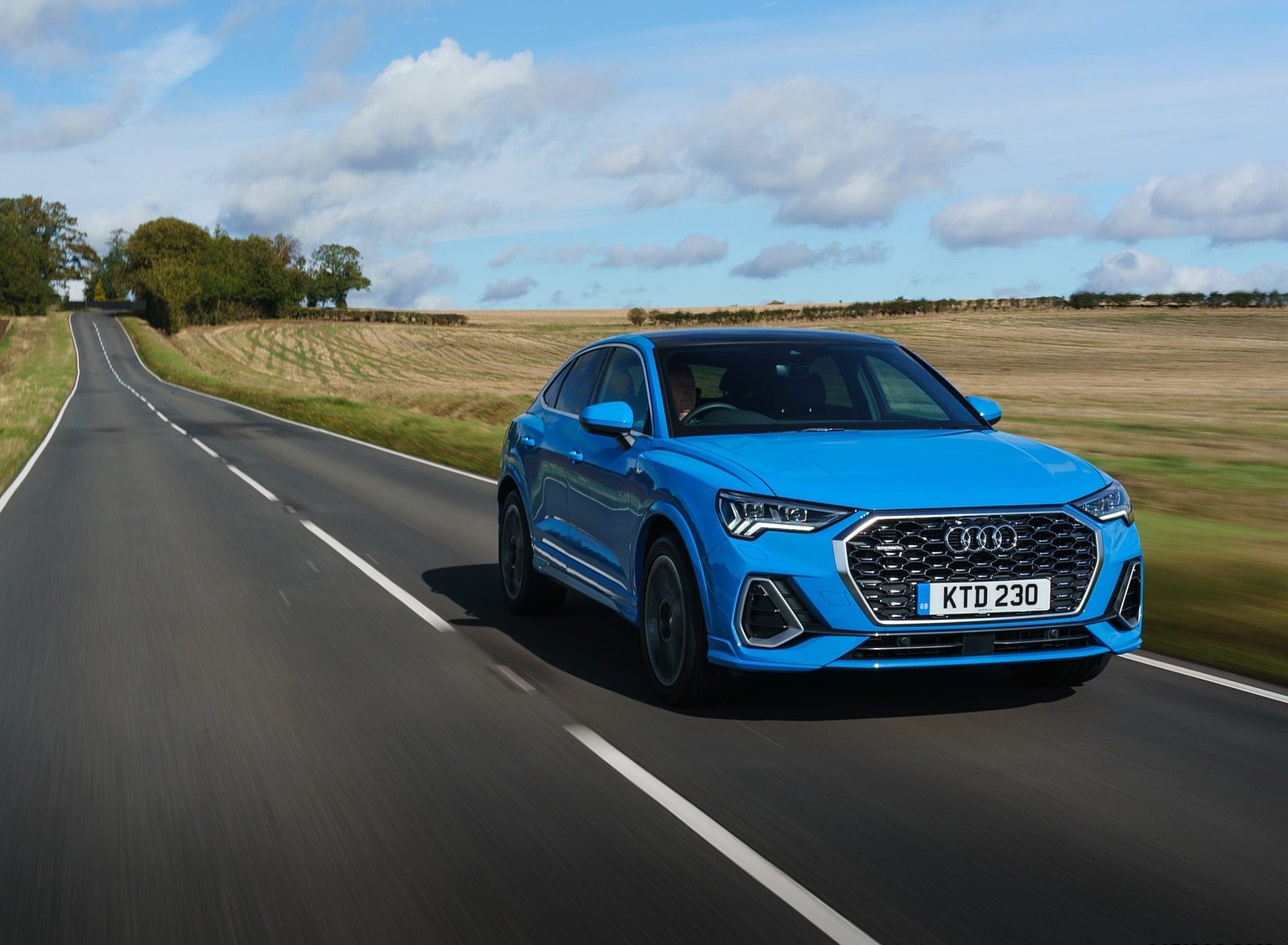 2020 Audi Q3 Sportback 45 TFSI quattro (UK-Spec) Front Three-Quarter Wallpapers (2)