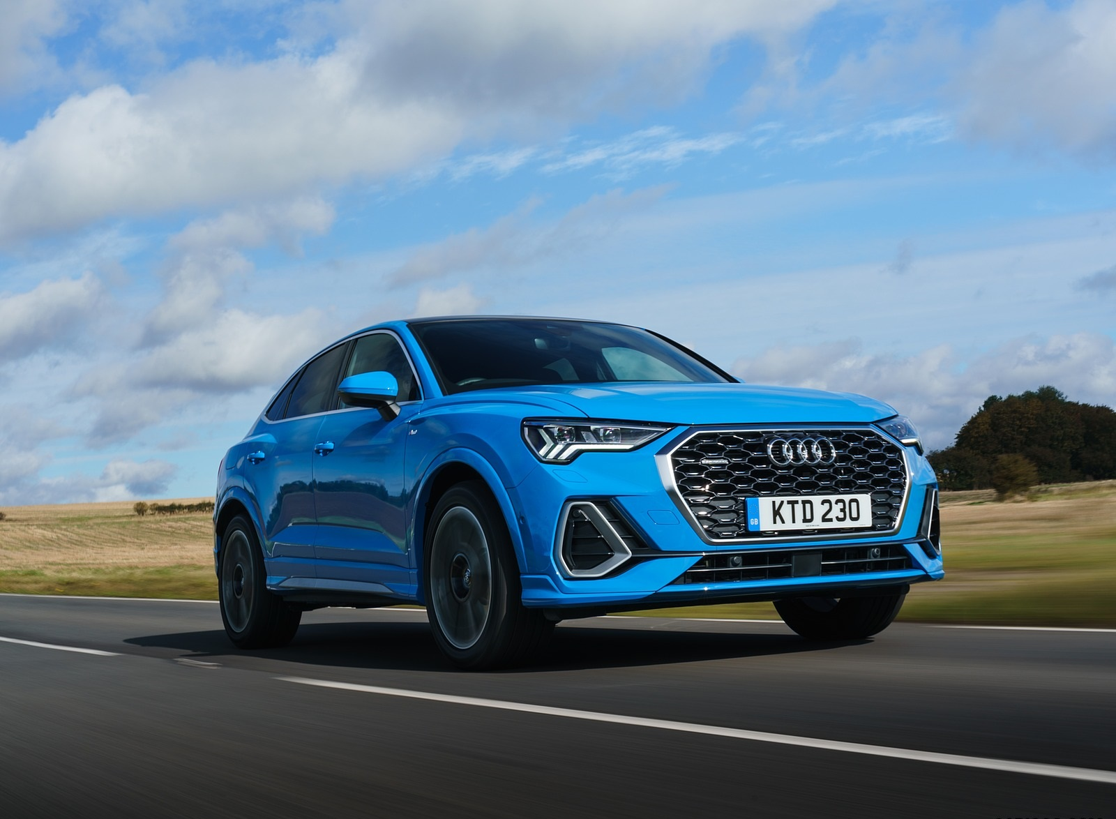 2020 Audi Q3 Sportback 45 TFSI quattro (UK-Spec) Front Three-Quarter Wallpapers (1)