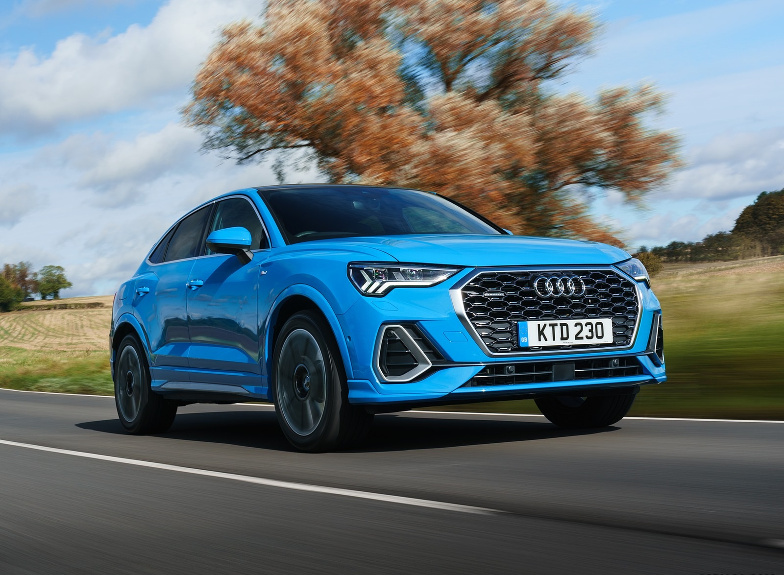 2020 Audi Q3 Sportback 45 TFSI quattro (UK-Spec) Front Three-Quarter Wallpapers (3)