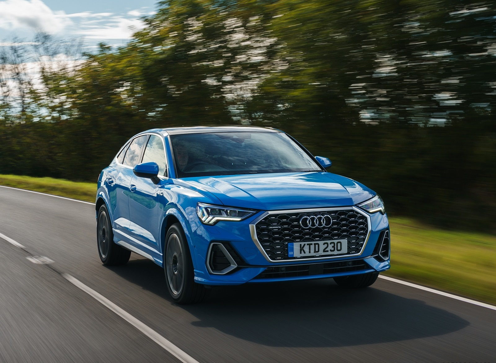 2020 Audi Q3 Sportback 45 TFSI quattro (UK-Spec) Front Three-Quarter Wallpapers (4)