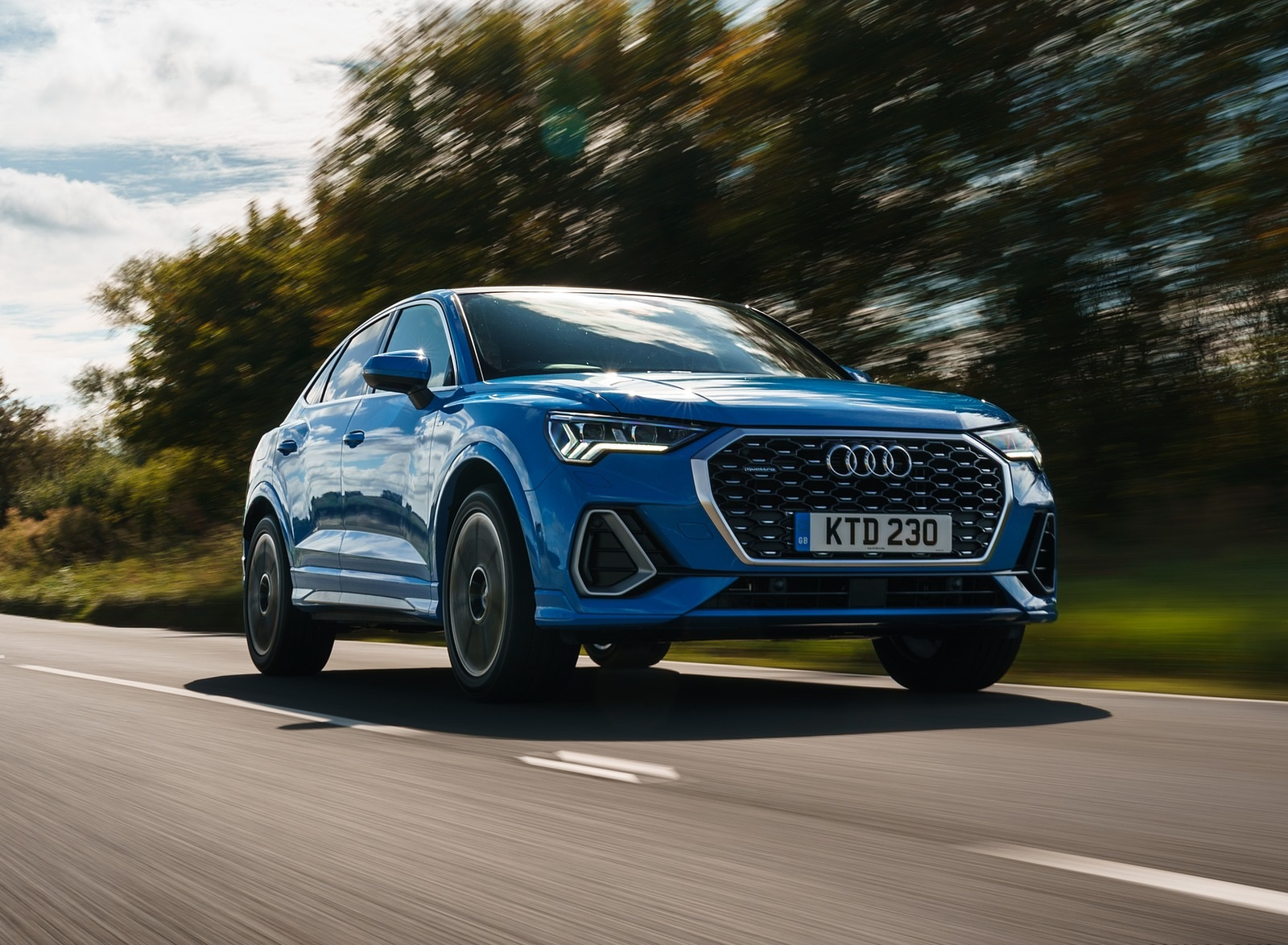 2020 Audi Q3 Sportback 45 TFSI quattro (UK-Spec) Front Three-Quarter Wallpapers (5)