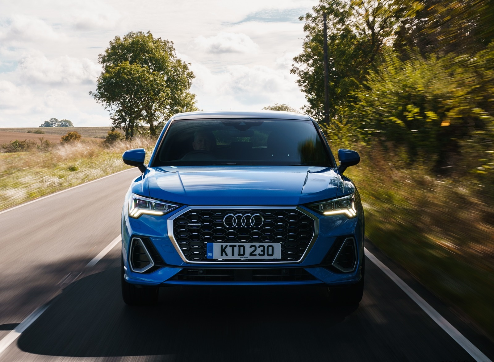 2020 Audi Q3 Sportback 45 TFSI quattro (UK-Spec) Front Wallpapers (9)