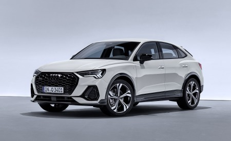 2020 Audi Q3 Sportback S line (Color: Dew Silver) Front Three-Quarter Wallpapers 450x275 (142)
