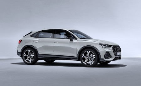 2020 Audi Q3 Sportback S line (Color: Dew Silver) Front Three-Quarter Wallpapers 450x275 (145)