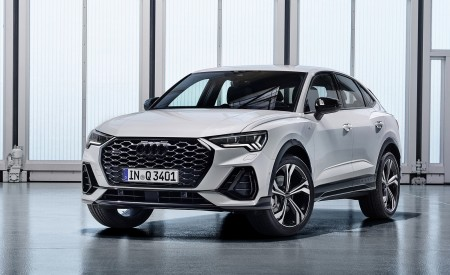 2020 Audi Q3 Sportback S line (Color: Dew Silver) Front Three-Quarter Wallpapers 450x275 (144)